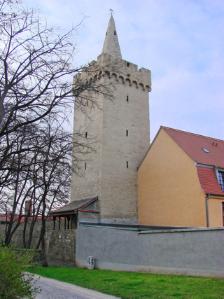Bild: Kuntzes Turm vom Platz Vor dem Hohen Tore aus gesehen.