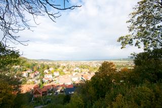 Bild: Die Stadt Blankenburg am Harz vom Schlossberg aus gesehen.