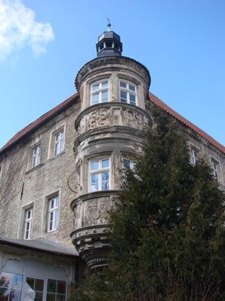 Bilder: Erker am Schloss zu Schochwitz.