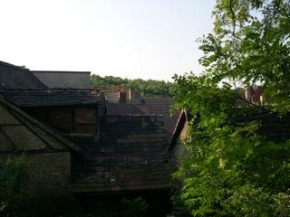 Bild: Blick auf die Dächer der Altstadt von Hettstedt.