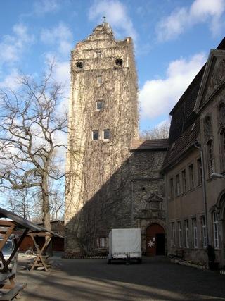 Bild: Der Bergfried des Schlosses zu Gänsefurth.
