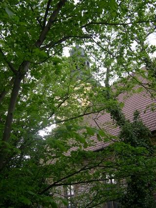 Bild: An der Schlosskirche des Schlosses von Walbeck.