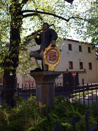 Bild: Denkmal Kamerad Martin am Breiten Weg in der Lutherstadt Eisleben.