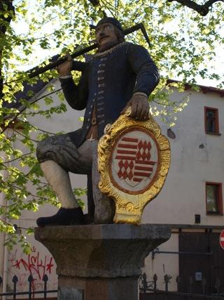 Bild: Das Denkmal Kamerad Martin in der Eislebener Neustadt.
