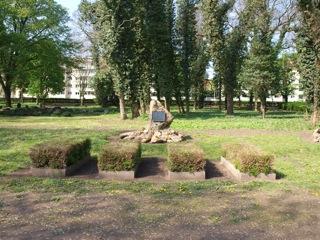 Bild: Gräber der Opfer des Eislebener Blutsonntages auf dem campo santo.