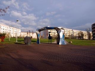 Bild: Das Denkmal Hunt, Stolln und Grubenpferd im Neubaugebiet an der Magdeburger Straße in Eisleben.