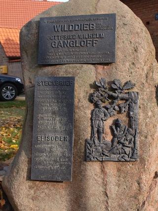 Bild: Gedenkstein in Sylda zum Andenken an den Wilddieb Johann Gottfried Gangloff.