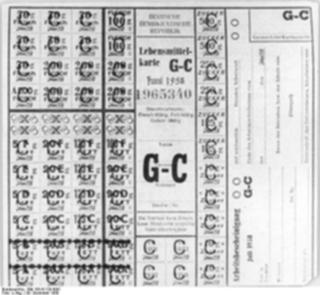Bild: Lebensmittelkarte der DDR aus dem Jahre 1958. Bild: This file is licensed under the Creative Commons Attribution-Share Alike 3.0 Germany license.