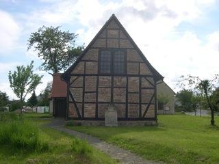Bild: Die Dorfkirche zu Wieserode im Harz.