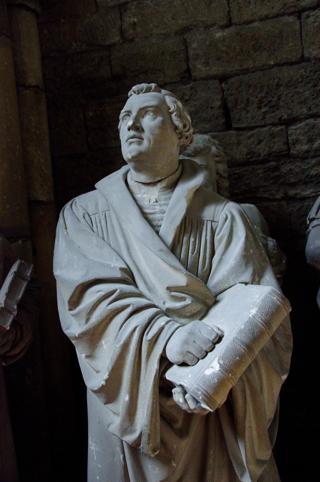 Bild: Büste des Reformators Dr. Martin Luther im Dom zu Halberstadt.