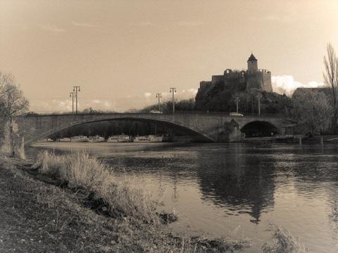 Bild: Halle an der Saale. Die Burg Giebichenstein. Aufnahme aus dem Jahre 2006.
