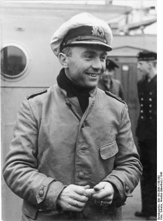 Bild: Kapitänleutnant Günther Prien. Bild: Under the licence of Commons:Bundesarchiv. Bundesarchiv, Bild 183-2006-1130-500 / Schulze, Annelise (Mauritius) / CC-BY-SA.