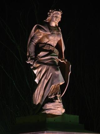 Bild: Das Denkmal Germania in Leimbach. Vor der Machtergreifung der Nationalsozialisten war das Miteinander von Deutschen und Juden weitgehend problemlos. Aufnahme aus dem Jahre 2007.