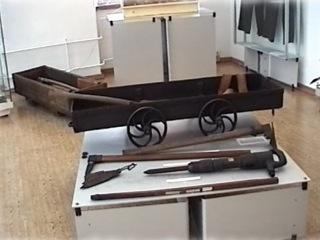 Bild: Mit diesen bergmännisches Geräten wurde in historischer Zeit das Kupfererz im Mansfelder Revier gewonnen.