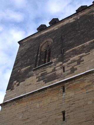 Bild: der Nordturm der Kirche St. Stephani in Aschersleben wurde nie vollendet.