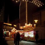 Aschersleben - Der Weihnachtsmarkt im Jahre 2009 bei Nacht.