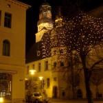 Aschersleben - Am Rathaus bei Nacht.