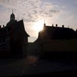 Harzgerode - Blick auf den Markt und das Rathaus an einem Wintermorgen.