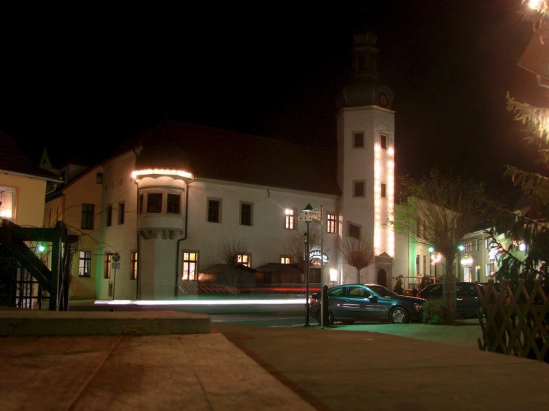 Gerbstedt - Das Rathaus bei Nacht.