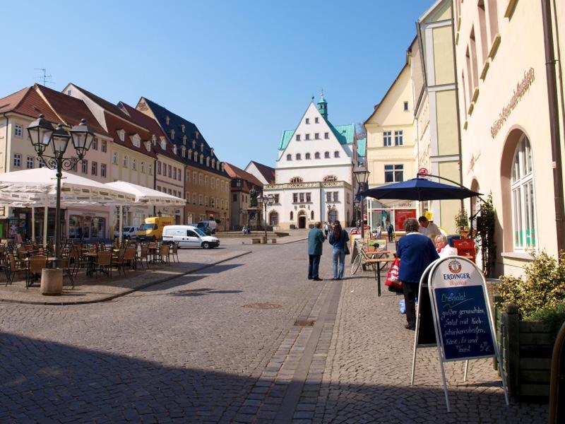 Bild: Eisleben - Auf dem Markt.