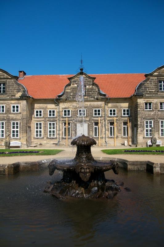 Wasserspiel im Barockgarten des Kleinen Schlosses zu Blankenburg.
