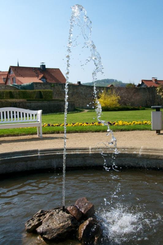 Bild: Wasserspiel im Barockgarten des Kleinen Schlosses zu Blankenburg.