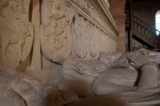 Bild: Die monumentale Grablege des Geschlechtes der Grafen von Wettin. Detailansicht.