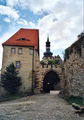 Bild: Bastionen und Gräben der Burg zu Querfurt.