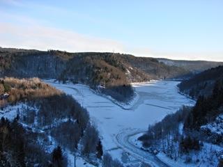 Bild: Die Rappbode Talsperre bei Wendefurth im kalten Januar 2009.