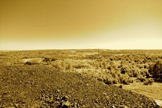Bild: Blick von der Schlackehalde der der Krughütte - später Liebknechthütte - bei Wimmelburg über das südliche Mansfelder Land. Aufnahme © 2010 by Birk Karsten Ecke.