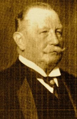 Bild: Graf Hohenthal als Deputierter der MANSFELDSCHEN GEWERKSCHAFT. Dieses Bild ist gemeinfrei, weil seine urheberrechtliche Schutzfrist abgelaufen ist.