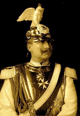 ild: Wilhelm II. als Deutscher Kaiser. Dieses Bild ist gemeinfrei, weil seine urheberrechtliche Schutzfrist abgelaufen ist.