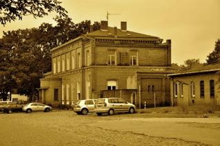 Bild: Der Bahnhof in Hettstedt. Aufnahme © 2011 by Bert Ecke.