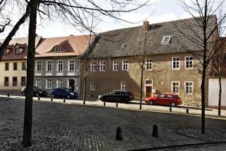 Bild: Das Geburtshaus des Wissenschaftlers und Erfinders Jacob Christian Schäffer am Kirchplan Nr. 7 in Querfurt.