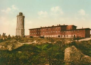 Bild: Das Brockenhaus in einer historischen Abbildung. Dieses Bild ist gemeinfrei, weil seine urheberrechtliche Schutzfrist abgelaufen ist.