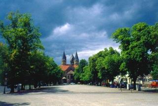 Bild: Die Liebfrauenkirche in Halberstadt. Bild: © 2012 by Dr. Walter Töpner.