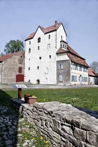Bild: Das Westwerk des ehemaligen Klosters Wendhusen mit dem Amtshaus.