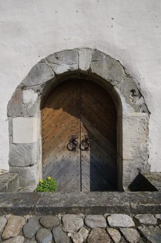 Bild: Tür im Westwerk des ehemaligen Klosters Wendhusen.