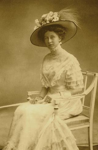 Bild: Konfirmationsbild der Prinzessin Viktoria Luise aus dem Jahre 1909. Dieses Bild ist gemeinfrei, weil seine urheberrechtliche Schutzfrist abgelaufen ist.