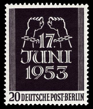 Bild: Briefmarke der Deutschen Bundespost Berlin zu Ehren des 17. Juni 1953. Als amtliches Werk ist sie nach § 5 Abs. 1 UrhG gemeinfrei.