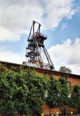 Bild: Der Förderturm des Bergbaumuseums Wettelrode - ohne Drahtseile wäre der Bergbau heute nicht mehr vorstellbar.