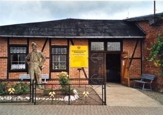 Bild: Der Eingang zum Bergbaumuseum Röhrigschacht Wettelrode.
