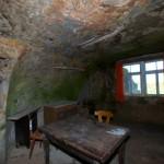 Bild: Im Inneren einer Höhlenwohnung in Langenstein.
