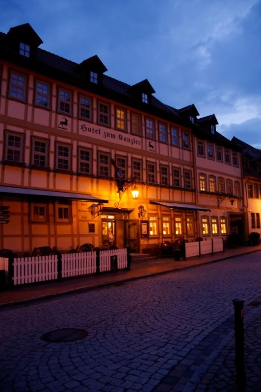 Bild: Stolberg - Hotel zum Kanzler bei Nacht.